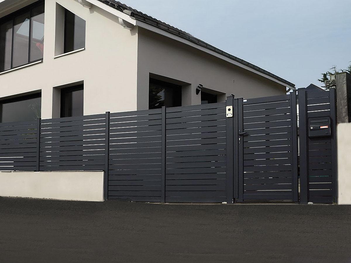 Portail aluminium Acacia Côté portail