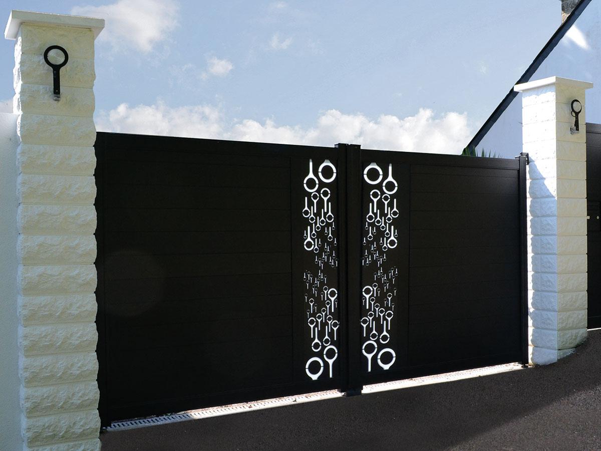 Portail aluminium Bergenia Côté portail