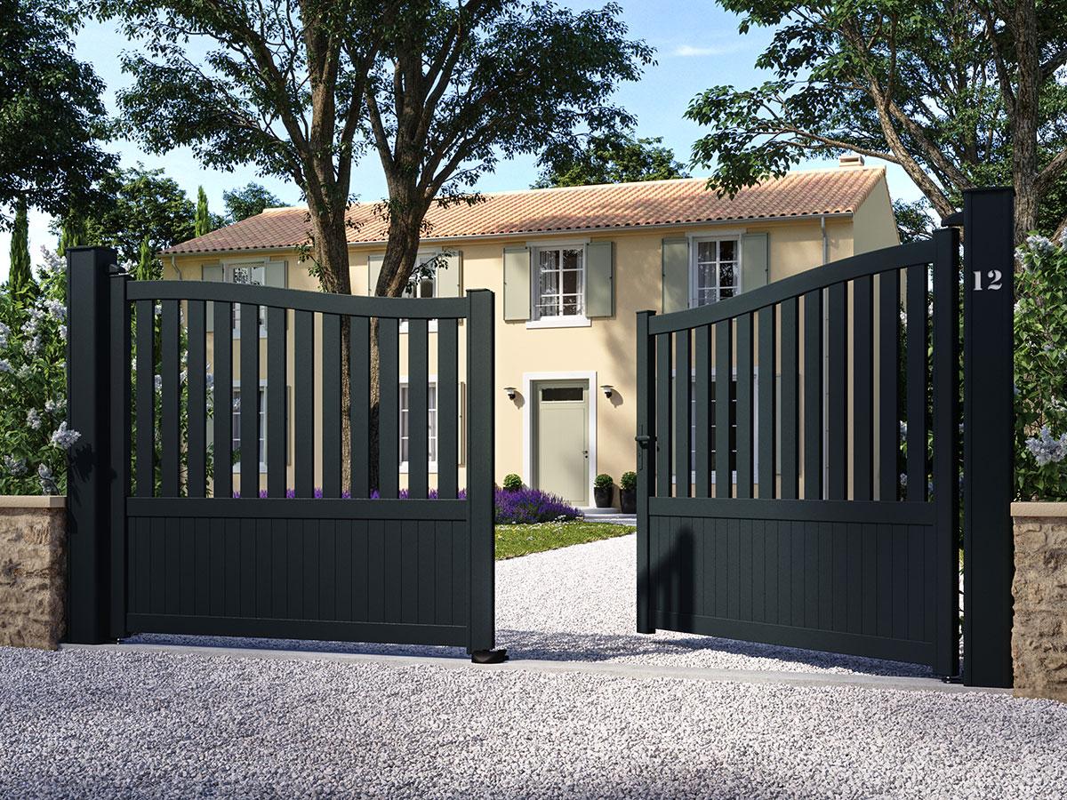 Portail aluminium Mélèze Côté portail