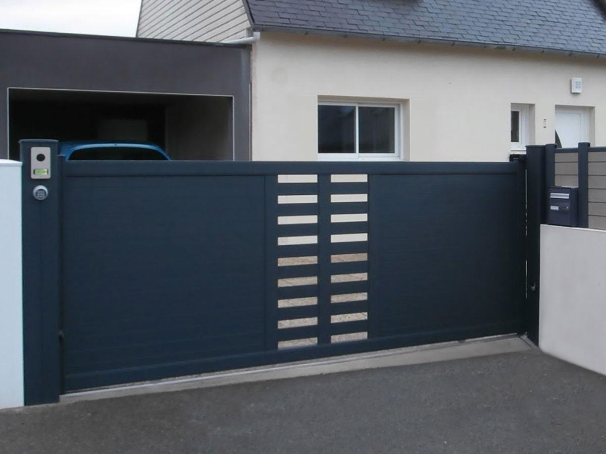Portail aluminium Sabline Côté portail